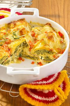 Dumpling gratin - from the soup to the baking dish. - # dumpling gratin - Dumpling gratin – from the soup to the baking dish. With ge … – # dumpling gratin Dumpling gr - Crock Pot Recipes, Meat Recipes, Pasta Recipes, Dinner Recipes, Cooking Recipes, Healthy Recipes, Healthy Nutrition, Drink Recipes, Parmesan Potatoes