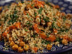 Couscous cu naut si morcovi Couscous, Fried Rice, Quinoa, Fries, Veggies, Cooking Recipes, Vegetarian, Favorite Recipes, Ethnic Recipes
