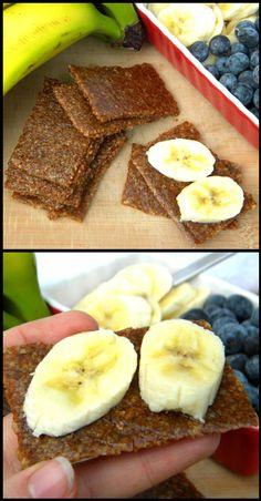 Cooler Healthier You - raw vegan chewy graham cracker inspired energy bites. mmmm yum, gotta try these! Raw Vegan Desserts, Raw Vegan Recipes, Vegan Sweets, Healthy Sweets, Vegan Foods, Vegan Snacks, Roh Vegan, Raw Food Diet, Eating Raw