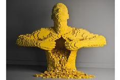 昔、子供の頃に親しんだレゴブロック。好きな人は、大人になってもその魅力にはまってしまいますが、このレベルまでくると遊びの域を超えてアートに昇華するようです。 中からレゴがいっぱいでてきた! Nathan Sawaya さんは子供の頃からレゴ好きで、結局その楽しさが忘れられず弁護士の職を捨てレゴアーティストになったそうで...