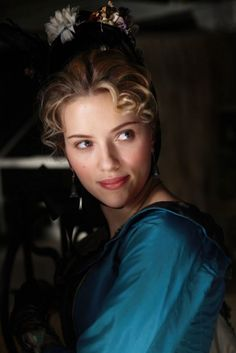 Scarlett Johansson as Olivia Wenscombe in The Prestige (One of my favorite actresses. The Prestige Movie, Le Prestige, Scarlett Johansson, Ryan Reynolds, Mtv, Marilyn Monroe, The Horse Whisperer, Christopher Nolan, Portraits