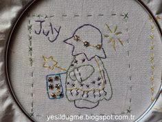 yeşil düğme: Sunbonnet Sue Temmuz ayı-July