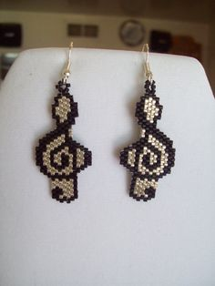 Native American Style Beaded Musical Note Black and Silver Southwestern Boho Brick Stitch Peyote Hippie Gypsy Great Gift Beaded Earrings Patterns, Seed Bead Patterns, Jewelry Patterns, Beading Patterns, Seed Bead Jewelry, Seed Bead Earrings, Statement Earrings, Beading Projects, Beading Tutorials