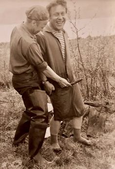 Vintage photographs of gay and lesbian couples and their stories. Vintage Lesbian, Vintage Couples, Vintage Men, Beautiful Men Faces, Beautiful Couple, Vintage Photographs, Vintage Photos, Just Good Friends, Romance