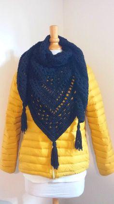 69 Ideas crochet poncho shawl for 2019 Poncho Crochet, Poncho Shawl, Crochet Lace Dress, Crochet Jacket, Cute Crochet, Crochet Baby, Patron Crochet, Romper Pattern, Rosalie