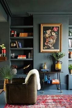 Aug Everyone loves that relaxed time in their comfortable living room. These are our best inspirations for amazing Living Rooms! See more ideas about Living room decor, Living room designs and Modern lounge. Dark Living Rooms, Home And Living, Living Spaces, Home And Family, Dark Rooms, Modern Living, Dark Green Living Room, Minimalist Living, Blue Rooms