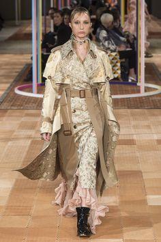 Alexander McQueen | Ready-to-Wear - Spring 2018 | Look 1