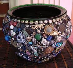 The modern day memory jar evolved from the old slave custom of making a memory jug to serve as a grave site memorial. Memory jar tutorial on the process. Mosaic Crafts, Mosaic Projects, Mosaic Art, Costume Jewelry Crafts, Vintage Jewelry Crafts, Recycled Jewelry, Button Art, Button Crafts, Fun Crafts