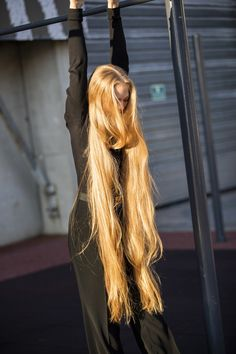 Addicted To Long Hair Beautiful Blonde Hair, Blonde Hair Looks, Brown Blonde Hair, Dark Hair, Red Hair, Really Long Hair, Super Long Hair, Long Bob Hairstyles, Pretty Hairstyles