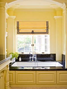 62 Ideas Bath Room Window Treatments Over Tub Roman Shades Interior Design For 2019 Kitchen Window Sill, Kitchen Windows, Bathroom Windows, Custom Window Treatments, Curtains With Blinds, Roman Blinds, Valances, Window Styles, Bathroom Colors