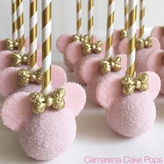 Minnie cake pops desserts for a perfect wedding! Minnie cake pops desserts for a perfect wedding! Minnie Mouse Party, Minnie Mouse Birthday Cakes, Minnie Mouse Baby Shower, Minnie Mouse Pink, Minnie Mouse Cupcake Cake, Minnie Mouse Favors, Minnie Mouse Cookies, Pink Birthday, Cake Birthday