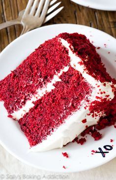 Red Velvet Layer Cake with Cream Cheese Frosting. Sallys Baking Addiction, Super Moist Red Velvet Cake with Cream Cheese Frosting, Naturall. Bolo Red Velvet, Velvet Cake, Best Cake Recipes, Dessert Recipes, Just Desserts, Delicious Desserts, Sallys Baking Addiction, Cake With Cream Cheese, How Sweet Eats