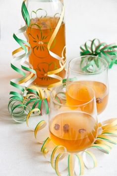 Inkiväärisima Recipes From Heaven, Time To Celebrate, Sweet And Salty, Something Sweet, Punch Bowls, Alcoholic Drinks, Food And Drink, Eat, Glass