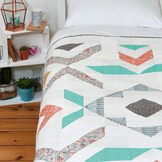 """@leighlaurelstudios - """"Issue 29 of #lovepatchworkandquilting goes on sale in the UK on Wednesday... Be sure to check out my quilt: Pebble & Spark! #hawthornethreads…"""""""