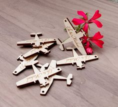 Little wood engraved airplanes - quantity 100
