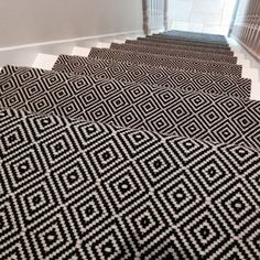 Discount Carpet Runners For Hall Info: 9289941768 Black And White Hallway, Black And White Carpet, Black Stairs, White Staircase, Carpet Staircase, Staircase Runner, Black White, White Runners, Rug Runners