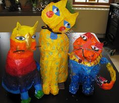 There's a Dragon in my Art Room: papier-mache in the Laurel Burch style Laurel Burch, Pretty Cats, Pretty Kitty, 3d Art Projects, 5th Grade Art, Sixth Grade, High School Art, Art Lessons Elementary, Paperclay