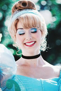 Check out Disney Cosplay at its best! Cinderella Makeup, Cinderella Cosplay, Princess Makeup, Disney Makeup, Disney Cosplay, Baby Cinderella, Disney Dress Up, Disney Day, Disney Parks