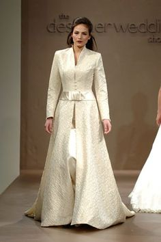 Winter wedding Part 1) dresses to keep you warm!