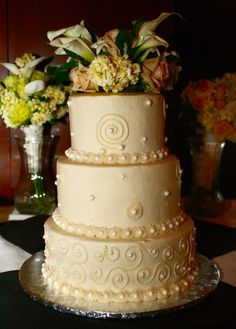 this is the perfect cake for my parents 50th anniversary party...a few gold touches and it will be a done deal!!