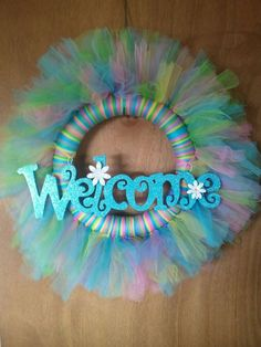 Xans bedroom Spring Wreath made of tulle Tulle Projects, Tulle Crafts, Wreath Crafts, Diy Wreath, Diy And Crafts, Wreath Ideas, Burlap Wreaths, Easter Wreaths, Holiday Wreaths