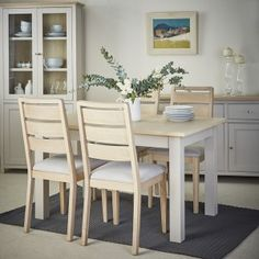 The Rushbury Painted dining table and chairs is expertly crafted from oak and hand finished in the UK to ensure its natural beauty and elegance shines through. The table top has a natural oiled finish and the solidly designed legs and frame are painted in a contrasting choice of six different colour ways.
