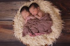 Short, rare & positively meaningful Indian baby names for Twin Babies. Boy- Boy, Boy - Girl, Girl - Girl suitably paired Sanskrit baby names /Nickname. Twin Boys, Twin Babies, Cute Babies, Baby Twins, Mom Baby, Baby Family, Triplets, Siblings, Newborn Bebe