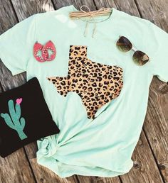 691f4ce444ce23 Seamless Grace is Texas based clothing boutique that focuses on shopping  your favorite brand or finding that perfect brand that always fits and  looks great.