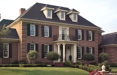 Brick, Shutters, White trim, total classic look. Colonial House Exteriors, Colonial Exterior, Dream House Exterior, Georgian Style Homes, Facade House, Classic House, Next At Home, Traditional House, Luxury Houses