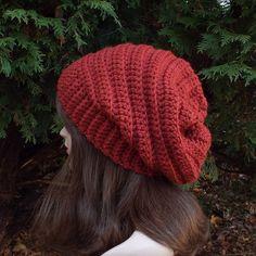 Cinnamon Red Slouchy Crochet Hat Womens por ColorMyWorldCrochet