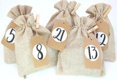 24 Stoffsäckchen Adventskalender JUTE Look 13x18cm BEIGE Gr. M   Etsy Jute, Burlap, Reusable Tote Bags, Etsy, Beige, Advent Season, Christmas Jewelry, Advent Calenders, Craft Gifts