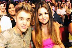 Selena Gomez Takes Selfie in Justin Bieber's Bathroom?