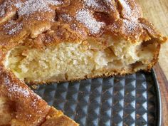 Apple-Cinnamon Cream Cheese Cake - A Hint of Honey