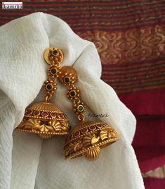 Kids Gold Jewellery, Gold Temple Jewellery, Real Gold Jewelry, Gold Jewelry Simple, Gold Jewellery Design, Women Jewelry, Gold Jhumka Earrings, Jewelry Design Earrings, Gold Earrings Designs