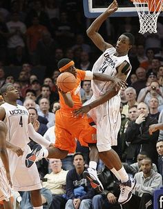 Syracuse Outlasts UConn in 6-Overtime Epic