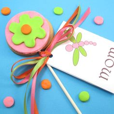 flower cookie pops with matching envelope…and a confession | The Decorated Cookie