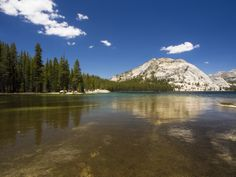 https://flic.kr/p/FXVCvs | Tenaya Sky | Blue skies and the clear waters of Tenaya Lake, at 8150 feet (2484 m) up in the Yosemite high country.  With the flowers and leaves coming out back here on the east coast now, I'm itching to head out west again soon.