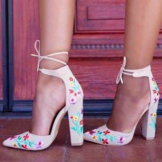 Flower Embroidered Chunky Pointy Heels