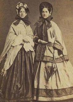 Nice contrast trim outerwear civil war era fashion