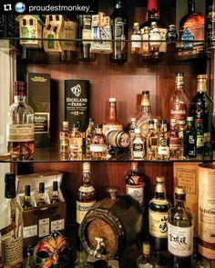 Arkada kibar kibar bekleyen Glenmorangie 1971 e dikkat ------ ( From the cabinet. Whiskey Bottle, Liquor Cabinet, Drinks, Amazing, Home Decor, Drinking, Homemade Home Decor, Beverages, Drink