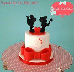 Love cake by Dulce Arte Cakes by Iris del Mar