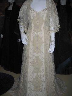Pamde Amidalas Dress Made For Her Wedding With Anakin Skywalker A True Masterpiece 3