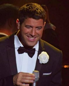 And we love a happy smiling Séb just like in this photo by Il Divo Divas USA and shared as a memory to FB by @petrak40 thanks both #sebsoloalbum #teamseb #sebdivo #sifcofficial #ildivofansforcharity #sebastien #izambard #ildivoofficial #seb #singer #sebontour #musician #music #composer #producer #artist #instafollow #instamusic #french #handsome #amazingsinger #amazingmusic #amazingvoice #greatvoice #followsebdivo #eone_music #wecameheretolove #kingdomcome #sebastienizambard