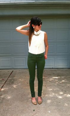 Army green skinny pants are the latest fashion trend. They can be paired with browns, greys and blacks for a versatile look! #Fallfashion2013