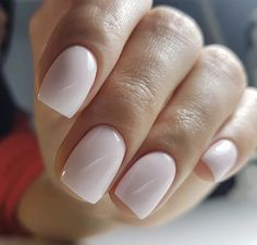 On average, the finger nails grow from 3 to millimeters per month. If it is difficult to change their growth rate, however, it is possible to cheat on their appearance and length through false nails. Cute Nails, Pretty Nails, Hair And Nails, My Nails, Oval Nails, Pink Nails, Dipped Nails, Neutral Nails, Perfect Nails