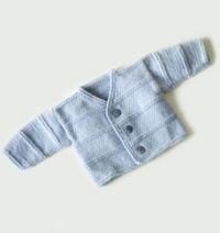 Discover thousands of images about Free Knitting Pattern Garter Ridge Baby Cardigan : Lion Brand Yarn Company Baby Boy Cardigan, Knitted Baby Cardigan, Knit Baby Sweaters, Knitted Baby Clothes, Baby Poncho, Baby Vest, Baby Knits, Crochet Baby Cardigan Free Pattern, Baby Sweater Patterns