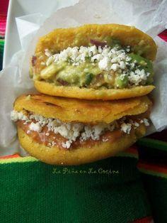 Gorditas Recipe Mexican, Pupusa Recipe, Sopes Recipe, Real Mexican Food, Mexican Food Recipes, Beef Recipes, Spanish Recipes, Eating Clean, Clean Eating Meals