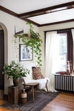 Eclectic style home house tour eclectic style in a new rental apartment therapy neo eclectic style . eclectic style home Interior Exterior, Home Interior, Luxury Interior, Interior Ideas, Craftsman Interior, Natural Interior, Studio Interior, Interior Plants, Kitchen Interior
