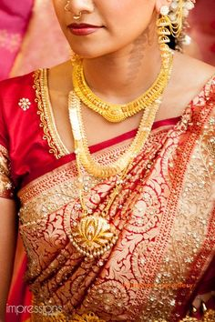South indian bridal jewellery earrings saree blouse 50 Ideas for 2019 Traditional Indian Wedding, Big Fat Indian Wedding, Indian Wedding Outfits, Bridal Outfits, Indian Outfits, Indian Clothes, Bridal Shoes, Bridal Jewelry, South Indian Bridal Jewellery