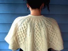 Knit this gorgeous cabled capelet with Lion Brand Fishermen's Wool! Get the free pattern by Renate Haeckler on Ravelry!